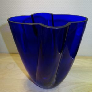 Gardenia, glas vase blå, Holmegaard