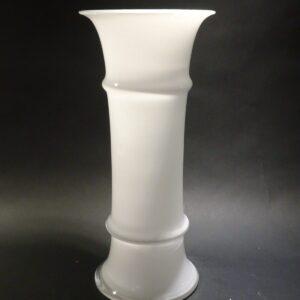 MB vase hvid glas Holmegaard