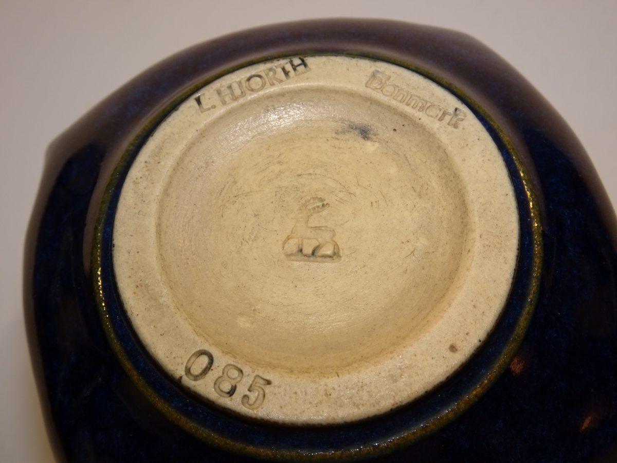 7aa0a51af94a Blå keramik krukke L. Hjorth Bornholm