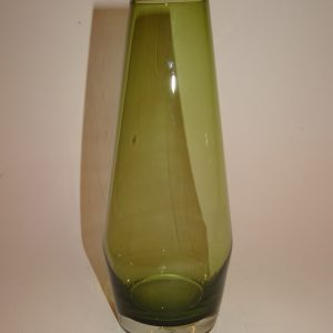Riihimäki, krystal vase, flot let vissengrøn farve.