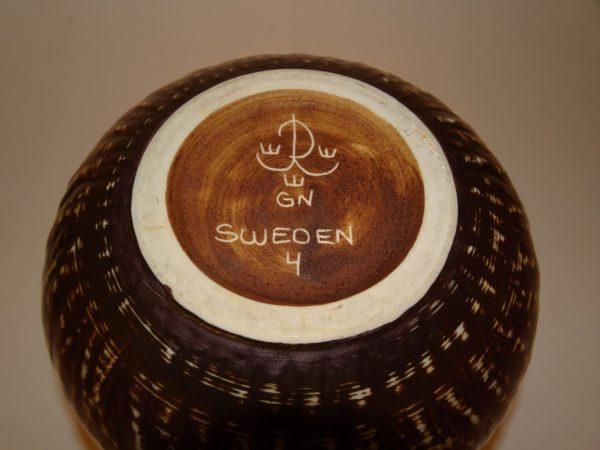 Gunnar Nylund, keramik krukke, Rörstrand. Gylden brun farve.