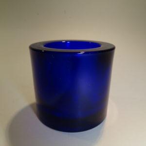 Kivi marimekko fyrfadsstage i udgået mørkeblå farve fra Iittala