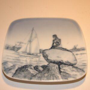 Lille fad / plakette med Den lille Havfrue fra Bing & Grøndahl