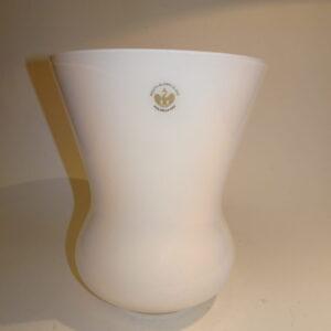JEB vase designet af Jacob Bang for Holmegaard