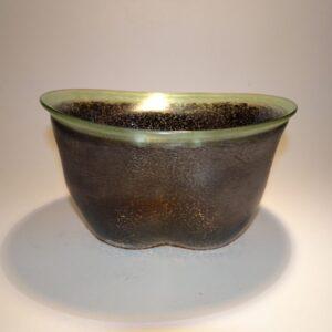 Glas skål fra Kosta Boda lavet af Bertil Vallien og signeret
