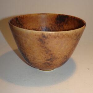 Rørstrand. Gunnar Nylund keramik skål i let changerende mat harepels glasur fra Rörstrand