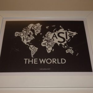 Kunsttryk i ramme, motiv er et Verdens kort