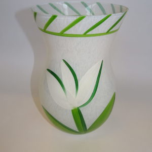 Ulrika Hydman-Valliens tulipan vase i hvid, stor