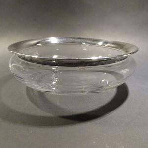 Klart glas med sølvkant. Saturn, skål. Holmegaard. Dybde 20 cm.